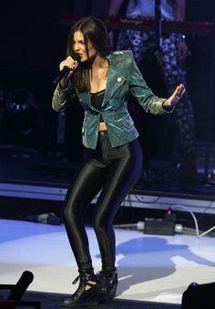 Victoria Justice - Concert Candids at Universal LA