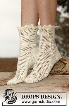 146-39 Lisbeth - Socks in Fabel by DROPS design