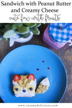 Open sandwich with peanut butter and creamy cheese. Looks like a cute fox! Strawberries and blueberries are on. So yummy, healthy and fit. Perfect for kids, breakfast, lunch or supper. recipe forkids Sandwich with Peanut Butter and Creamy Cheese Creamy Cheese, Cute Fox, Food Styling, Food Art, Blueberry, Peanut Butter, Food Photography, Sandwiches, Strawberry