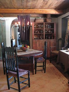 Dinning room with cupboard