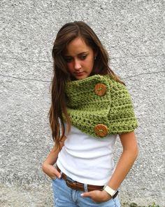 crochet scarf (idea for my arm knits) Crochet Scarves, Crochet Shawl, Crochet Clothes, Knit Crochet, Arm Knitting, Knitting Patterns, Crochet Patterns, Knitting Projects, Crochet Projects