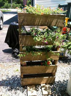 Gorgeous 32 Love the Pallet Planter for Vertical Garden Ideas https://gardenmagz.com/32-love-the-pallet-planter-for-vertical-garden-ideas/