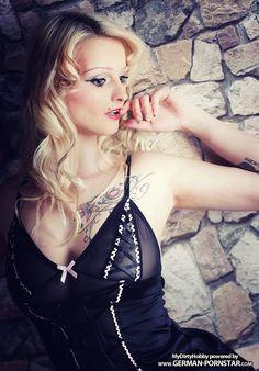 German Pornstar Mia Bitch MyDirtyHobby
