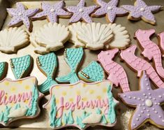 Mermaid cookies  #carinaedolce www.carinaedolce.com www.facebook.com/carinaedolce Mermaid Cookies, Sea Cakes, Cookie Favors, Sugar Cookies, Sweets, Facebook, Party, Desserts, How To Make