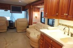 2004 Newmar Essex RVIA - 10055124, Class A - Diesel RV For Sale By Owner in Clear creek, Indiana | RVT.com - 347857 Diesel For Sale, Rv For Sale, Dock Lighting, Motorhomes For Sale, Roof Vents, Tank You, Heating Systems, Interior Lighting, Entertainment Center