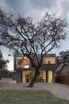 Built by Alter Studio in Austin, United States with date 2009. Images by Paul Bardagjy Photography. When the clients for the Bouldin House, a young couple in the music industry, approached Alter Studio they didn't have an image in mind, or a site, but knew that they wanted a very special home that would embrace the many different things that they liked.