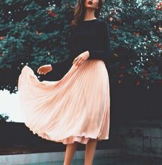 黄金比を知って足長美人に♡スカートが履きたくなる美脚効果術 - Locari(ロカリ)