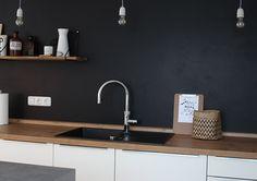 Kitchen planning – The kitchen back wall - White Kitchen Remodel Diy Kitchen, Kitchen Interior, Kitchen Decor, Küchen Design, House Design, Design Jardin, Shabby Home, Kitchen Cabinet Remodel, Dark Interiors