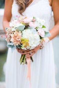 Lovely bouquet: http://www.stylemepretty.com/destination-weddings/2015/03/06/romantic-elopement-in-paris/ | Photography: Le Secret D'Audrey - http://www.lesecretdaudrey.com/
