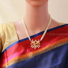 Traditional 5 Stones Red White Tanmani with 4 line 16 inches. Typical maharashtrian red and white stones combination. Pearl Necklace Designs, Jewelry Design Earrings, Gold Earrings Designs, Gold Jewellery Design, Beaded Jewelry, Pearl Jewelry, White Pearl Necklace, Pearl Chain, Pearl Set
