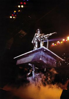 Lynn Goldsmith, Kiss Pictures, Kiss Band, Hot Band, Gene Simmons, Madison Square Garden, Woodstock, Cool Bands, Rock N Roll