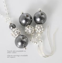 Dark Grey Pearl Necklace and Earring Set by alexandreasjewels