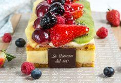 Torta di frutta fresca Fresh Cream, Pastries, Waffles, Cheese, Breakfast, Cake, Food, Morning Coffee, Tarts