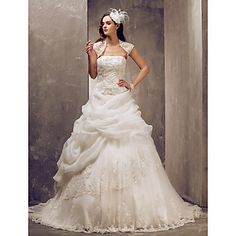 Ball Gown Strapless Sweep/Brush Train Tulle And Lace Wedding Dress (682816) – EUR € 164.58