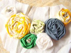 MaryJanes and Galoshes: Rolled Roses Bib Necklace DIY