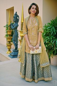 Gorgeous Indian outfit worn by Akanksha Redhu - Dress Pakistani Bridal, Pakistani Dresses, Indian Dresses, Bridal Lehenga, Indian Attire, Indian Ethnic Wear, Indian Wedding Outfits, Indian Outfits, Indian Designer Outfits