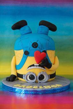 bolo divertido 3 Superhero Birthday Cake, Cupcake Birthday Cake, Minion Birthday, Cool Birthday Cakes, Cupcake Cakes, Cupcakes Dos Minions, Minion Cookies, Bolo Minion, Cake Minion