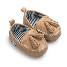 Shop Kids' Tan size Moccasins at a discounted price at Poshmark. Description: Moccasin First Walkers Newborn Baby Shoes Toddler Prewalker Shoes Baby Boy Girl Pu Tassel pendant Leather Shoes. Baby Boy Shoes, Crib Shoes, Girls Shoes, Baby Moccasins, Leather Moccasins, Leather Loafers, Penny Loafers, Leather Baby Shoes, Pu Leather