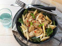 WW ViktVäktarnas snabba meny – 8 rätter på 20 minuter   Köket.se Japchae, Pasta Salad, Baking Recipes, Food And Drink, Healthy Eating, Pesto Recept, Curry Recept, Chicken, Ethnic Recipes