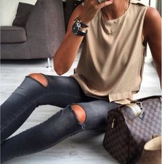 ripped jeans + damier bag #louisvuitton