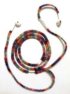 crochet headphones cover -- free pattern!