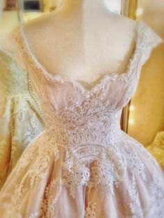 Lace Tea Length Wedding Dress in Ivory and Pink Joanne Fleming Design: Peaches and Cream.a delicious lace and blush silk tea-length wedding dressJoanne Fleming Design: Peaches and Cream.a delicious lace and blush silk tea-length wedding dress Vintage Outfits, Vintage Dresses, Vintage Fashion, Tea Length Wedding Dress, Tea Length Dresses, Beautiful Gowns, Beautiful Outfits, Bridal Gowns, Wedding Gowns