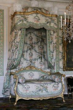 037-Chambre à coucher de Mme Victoire