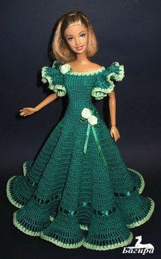 crochet barbie doll clothes for beginners ile ilgili görsel sonucu Crochet Doll Dress, Crochet Barbie Clothes, Knitted Dolls, Doll Dress Patterns, Barbie Patterns, Clothing Patterns, Barbie Gowns, Barbie Dress, Barbie Doll
