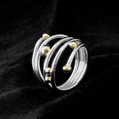 Zilveren ringen met gouden bolletjes. www.goudsmidmargriet.com