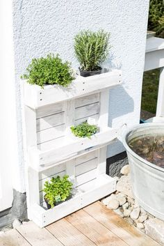 Upcycling or herb garden from pallet # herb garden pallet Upcycling or . - Upcycling or herb garden from pallet # herb garden range Upcycling or herb garden from pallet Herb Garden Pallet, Diy Herb Garden, Indoor Garden, Palette Herb Garden, Diy Pallet Vertical Garden, Palette Beet, Palette Garden Furniture, Herb Planters, Pallet Planters