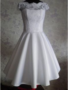 89f025f7cc Vintage Scalloped-Edge Cap Sleeves Knee-Length Open Back Lace White  Homecoming Dress. Showoner Prom