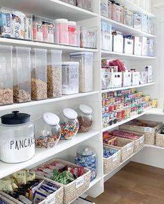 Kitchen Organization Pantry, Home Organisation, Kitchen Organizers, Pantry Ideas, Pantry Room, Kitchen Pantry Design, The Home Edit, Cuisines Design, House Design