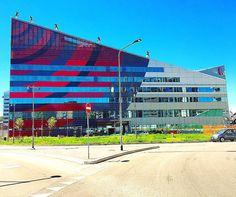 Casa Milan  #acmilan #milan #milano #casamilan #sede #rossonero #architecture #photooftheday #milanodavedere #milanopanoramica #vscocam #vsco #travel #instagram #like4like #tagsforlikes #april #2016 #italy #soccer #football #seriea #scudetto #visitmilano #trip #calcio #sunny #stadium #sansiro by antonio_cassanese