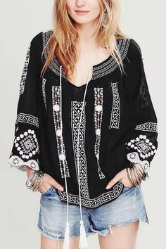 Black Lace Splicing Sleeve Embroidered Blouse!
