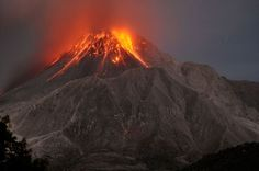 Google Image Result for http://images.nationalgeographic.com/wpf/media-live/photos/000/331/cache/magma-long-dormant-volcanoes-soufriere-hills_33106_600x450.jpg