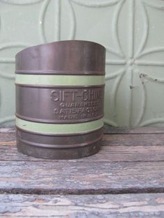 Vintage Flour Sifter Sift-Chine Retro Green Kitchen Rustic