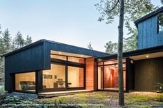 This beautiful contemporary house by the firm Dufour Ducharme Architects highlights our genuine wood siding. Wood Siding, Dufour, Architecture, Exterior, Contemporary, Outdoor Decor, Projects, Clean Lines, Designer