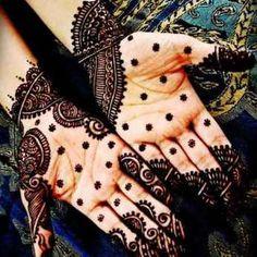 Mehandi Designs Mehandi Design For Hand, Arabic Mehndi Designs, Simple Mehndi Designs, Mehandi Designs, Beauty Tips In Hindi, Henna Mehndi, Skin Makeup, Alexander Mcqueen Scarf, Design Art