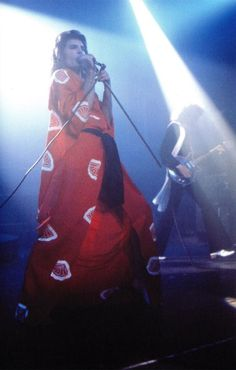 Queen live at Playhouse Theatre in Edinburgh, UK -... - That Rock N Roll... It Gets Down To My Soul