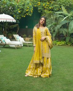 Best Labels To Buy Gorgeous Sharara Suits From! Pakistani Mehndi Dress, Pakistani Sharara, Latest Pakistani Dresses, Pakistani Designer Suits, Sharara Suit, Pakistani Wedding Outfits, Pakistani Dress Design, Indian Designer Wear, Indian Outfits