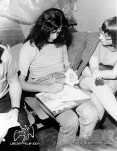 Jimmy Page autographing...a great album!