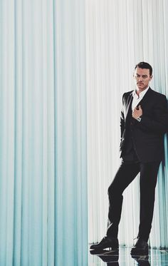 luke evans (un)official : Photo