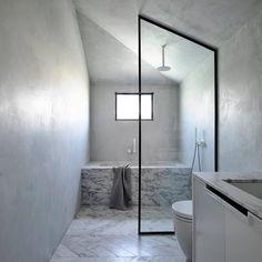 "Classic Finishes on Instagram: ""Plasters elegantly simplify. . . . . Design inspiration provided by @badrumsdrommar  #tadelakt #tadelaktshower #tadelaktbathroom…"" Bathroom Inspiration, Design Inspiration, Interior Architecture, Interior Design, Tadelakt, Bathroom Pictures, Contemporary Interior, Textured Walls, Natural Light"