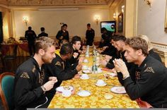 Palermo v Roma: the team are having their pre-match meal at the hotel ahead of tonight's game #asroma