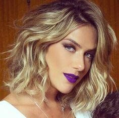 Espiando as maquiagens e o cabelos da gata Giovanna Ewbank, , que tem loiro tão lindo quanto de Leticia Spiller e frequentam o mesmo cabeleireiro.