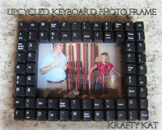 Reuse your old computer parts - how to make a creative photo frame using your old keyboard keys