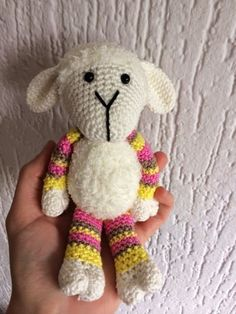 Free crochet pattern for sheep Crochet Sheep, Crochet Baby Toys, Crochet Teddy, Crochet Patterns Amigurumi, Love Crochet, Crochet Gifts, Amigurumi Doll, Crochet Animals, Crochet For Kids