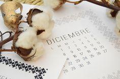 DESCARGABLE DICIEMBRE... CON DIY - ALL YOUR SITES Stuffed Mushrooms, Place Card Holders, Vegetables, Food, Diy, December, Calendar, Tags, Stuff Mushrooms