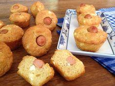 Η συνταγή της ημέρας: Αλμυρά κεκάκια με φέτα και λουκάνικο τύπου Φρανκφούρτης Doughnut, Muffin, Breakfast, Desserts, Food, Morning Coffee, Tailgate Desserts, Deserts, Essen