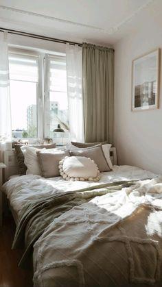 Modern Bedroom Decor, Room Ideas Bedroom, Master Bedroom Design, Modern Decor, Cozy Bedroom Decor, Bedroom Decorating Ideas, Bedroom Interior Design, Bedroom Design Inspiration, Bedding Inspiration